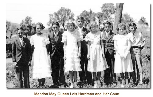 Mendon May Queen, Lois Hardman and her Court.