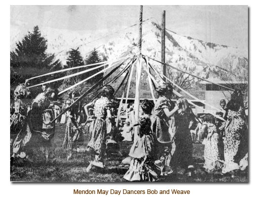 Mendon May Day Dancers B0b and Weave the May Pole